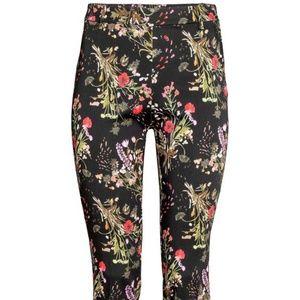 Floral print ankle slacks
